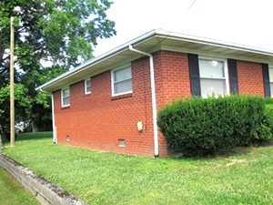 SOLD   108 N. 11th Street. Williamsburg  Brick home in a great location close to Williamsburg City School and Cumberland College