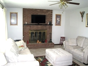 REDUCED 352 Mountain Lane, Rockholds - Brick home that is well kept and contains 1400 +/- sf of living space
