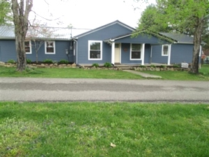 124 FOREST AVE, WMSBG A beautiful newly remodeled vinyl sided home with a large 1 acre +/- level lot in a great location.