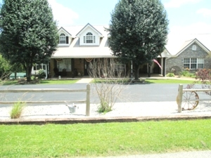 52 Mill Ck Rd. Keavy: | 7 BEDROOMS! Priced far below appraised value!  A must see home 4.8 miles from exit 29 in Keavy.